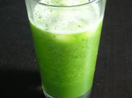 Green juice: romaine lettuce, celery, spinach, pear, and cucumber