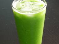 Honeydew, lime, romaine, spinach, and cucumber juice